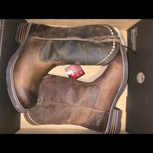 Ariat women's size 8 boots NEW